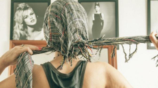 A garota do lenço na cabeça | Coisa de Antônia