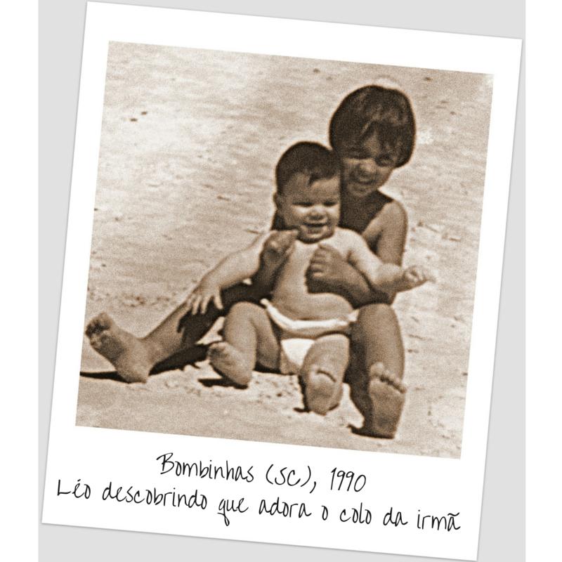 Bombinhas (SC), 1990Léo descobrindo que adora o colo na irmã (1)